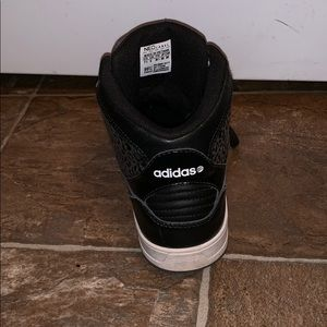 adidas Shoes - Adidas NEO Label